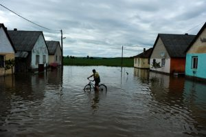 falu vízben